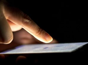 Hackers: We Will Remotely Wipe iPhones Unless Apple Pays Ransom – Motherboard